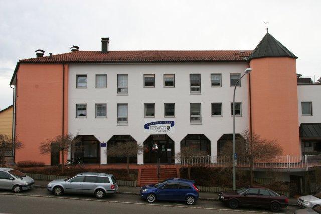 Frontansicht des Stadtarchiv Traunreut
