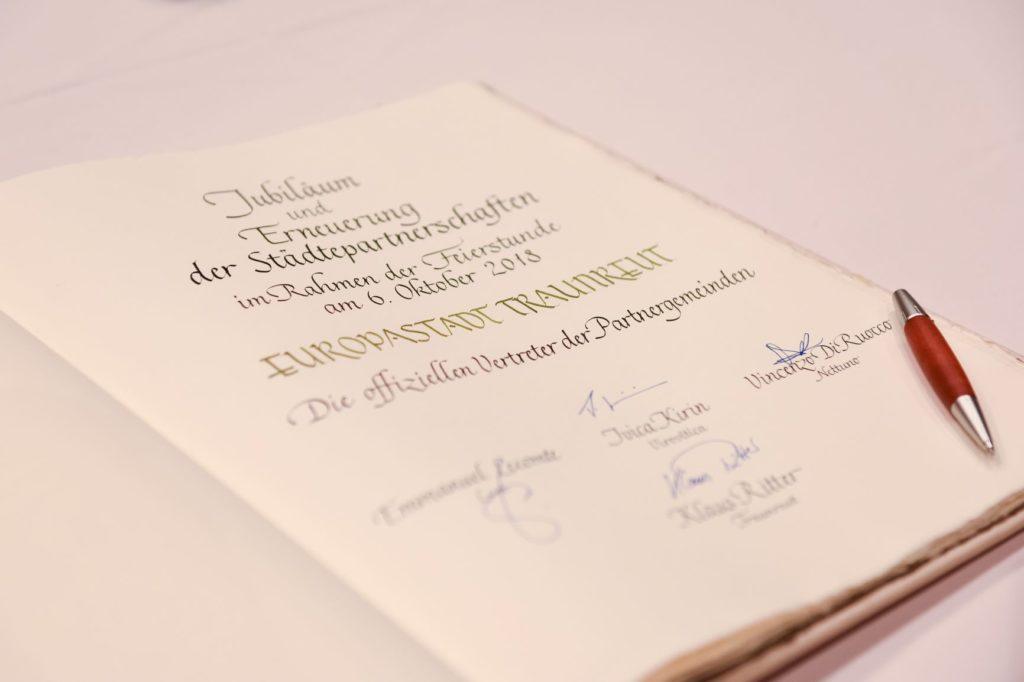 Unterschriftenbuch