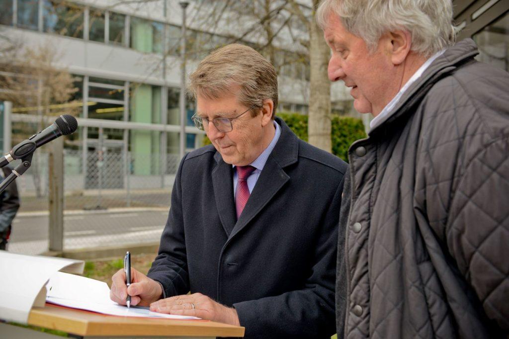 Bürgermeister Ritter und RA Dr. Peter Lämmerhirdt