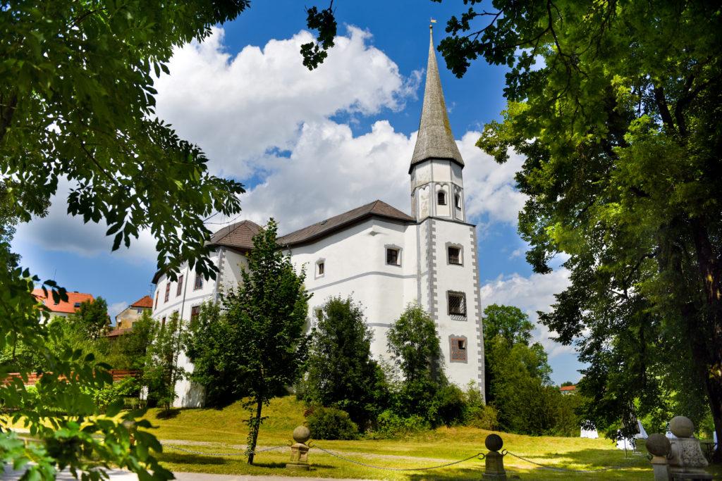 Schloss Pertenstein Traunreut Wasserschloss