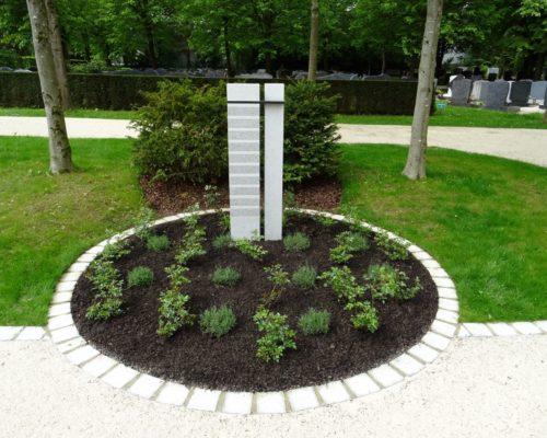 Urnenbeet auf dem Friedhof