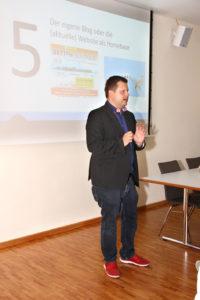 Unternehmerinfo vom 9. Juli - Prof. Kaiser beim Vortrag