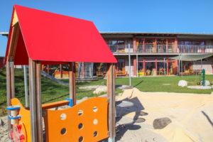 Haus für Kinder, Jugendsiedlung