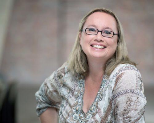 Andrea Starzer - Fachkräftesuche online mit den sozialen Medien