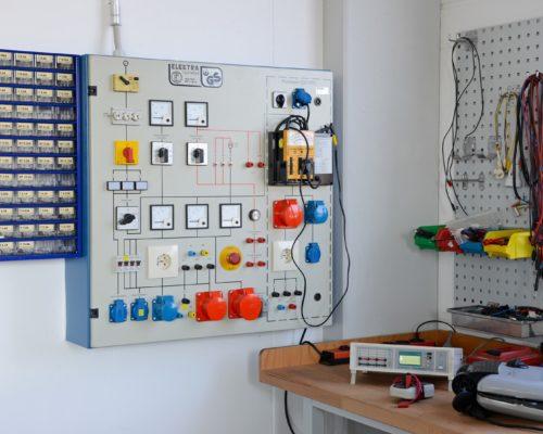 Stellenanzeige für Ausbildungsplatz Elektroniker