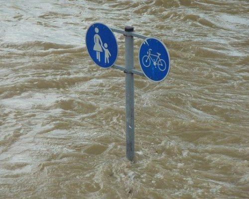 Symbolbild Hochwasser