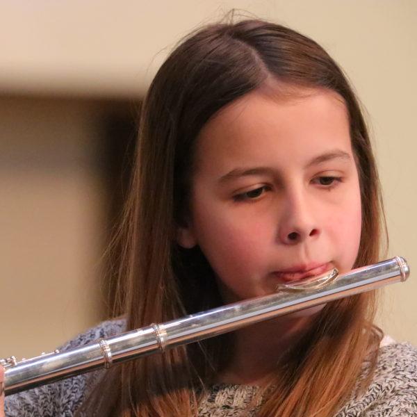 Musikschulkonzert mit Querflöte und Gitarre: Musikschüler von Ralph Glas und Brigitte Brüderl