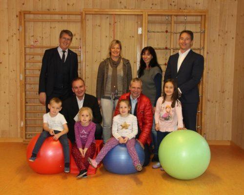 Bürgermeister Klaus Ritter beim Betriebsbesuch bei der Jugendsiedlung Traunreut