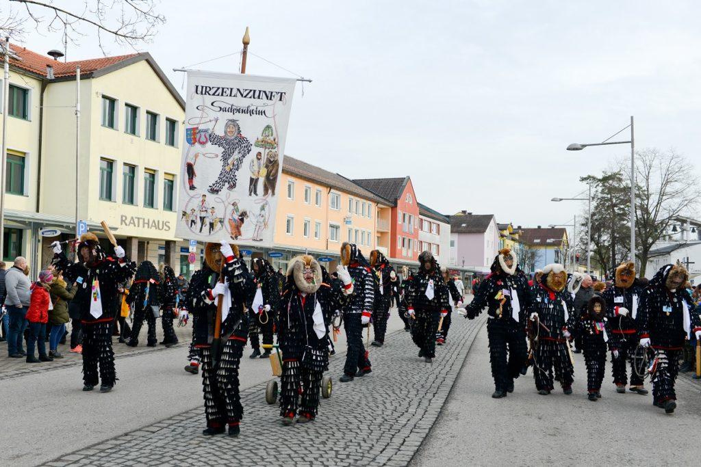 Traunreut Sachsenheim Sachsenheimer Weg Urzelnzunft Urzeln Urzelnlauf