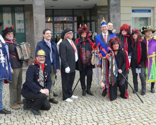 Traunreut Rathaus Rathaussturm Fasching