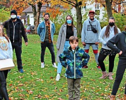 Kinder und Erzieher des Traunreuter Wilhelm-Löhe-Heims suchen k1-Kulturpaten für kommende Spielzeit.