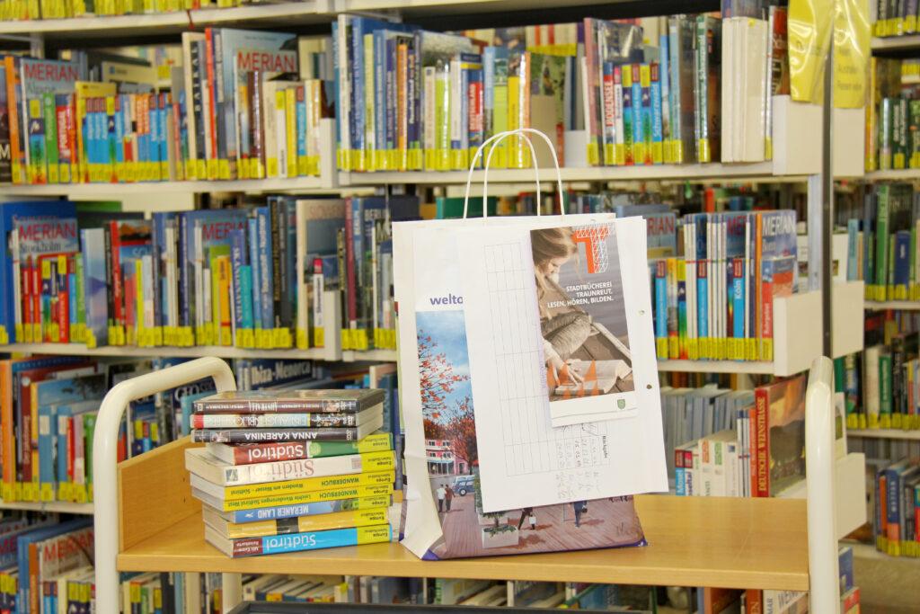 Büchertüte für Click & Collect der Stadtbücherei Traunreut