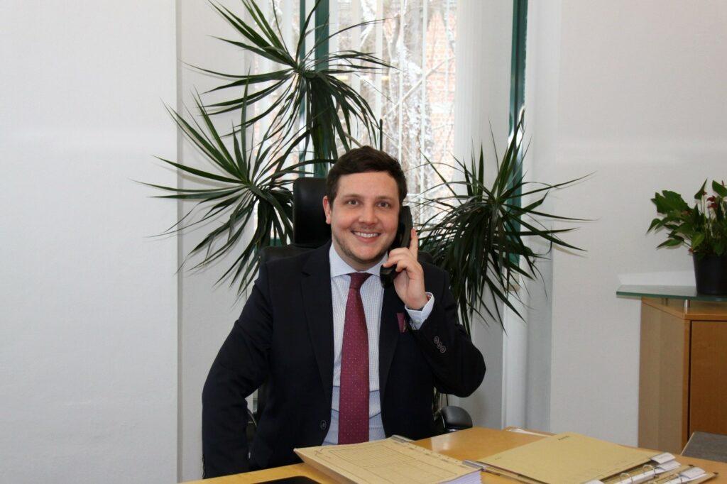Bürgermeister Hans-Peter Dangschat Telefonsprechstunde