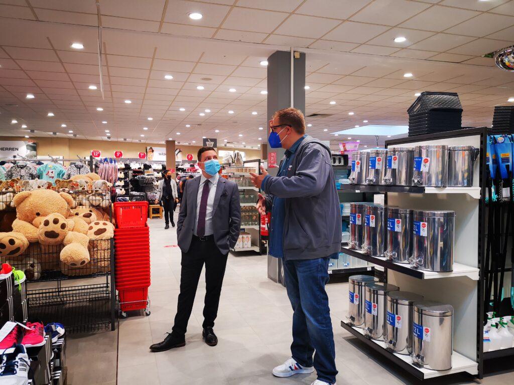 Eröffnung Woolworth Filiale Traunreut mit Bürgermeister Hans-Peter Dangschat