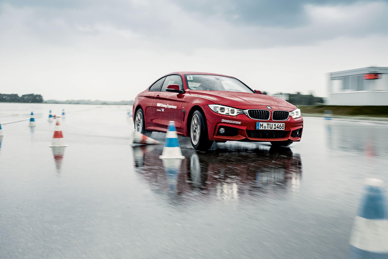 BMW Compact Basic Training Young (18-25 Jahre) – Auf dem Trainingsgelände der BMW Driving Academy